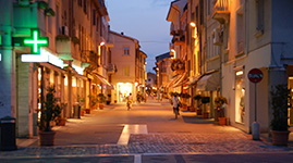 italien-rimini-mehr-ausfluege-altstadt