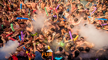 spanien-calella-ausflug-poolparty-im-sanddance-club