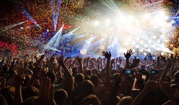Feiert in den angesagtesten Clubs Spaniens